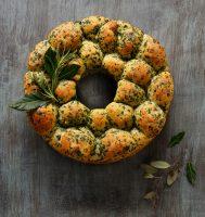 Idahoan Potato and Herb Pull Apart Bread